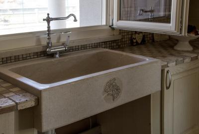 In casa o all 39 aperto lavelli in marmo per arredare con gusto - Lavandini in marmo per cucina ...