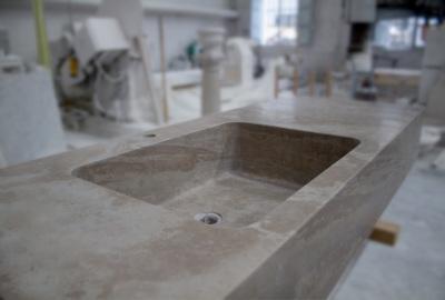 In casa o all 39 aperto lavelli in marmo per arredare con gusto - Piano lavandino bagno ...